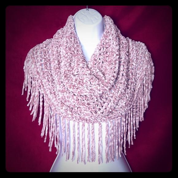 So good I had to share! Check out all the items I'm loving on @Poshmarkapp #poshmark #fashion #style #shopmycloset #handmade #urbanoutfitters #mkf: https://t.co/bkvHXCwiMC https://t.co/sMmhkuZ8kz