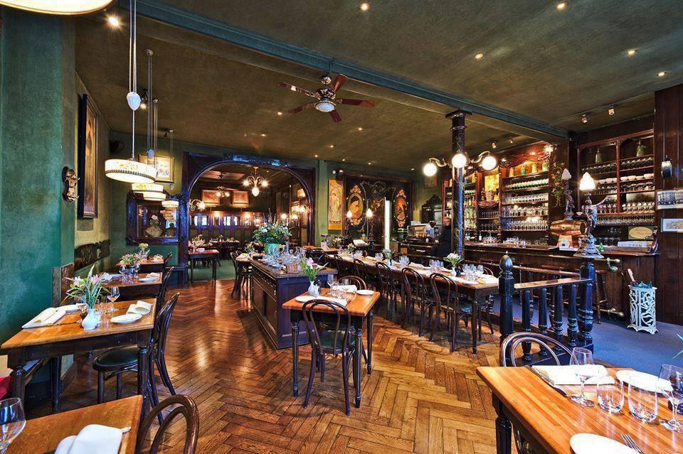 test Twitter Media - @DavidEerdmans Naast de kerk staat een fantastisch restaurant; les Brigittines. Restaurant met het mooiste interieur van Brussel https://t.co/CpiE5VTeEQ