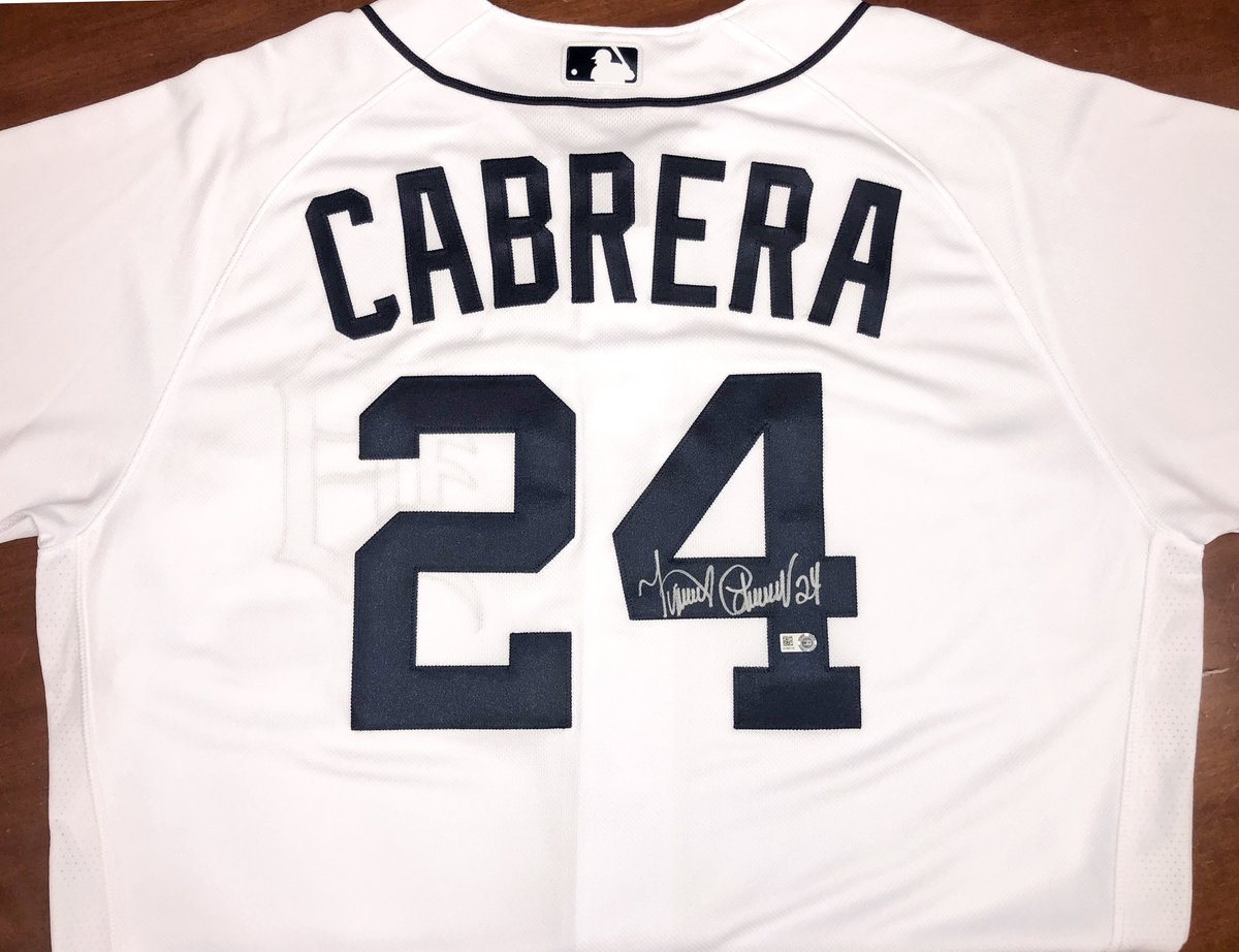 RETWEET for your chance to win this @MiguelCabrera autographed jersey while we stay up late tonight.  Don't forget, tonight's game is exclusively shown on the MLB @YouTube channel. Watch for free! ➡️ https://t.co/3nsVBClGSq https://t.co/5RAkqb8eBb