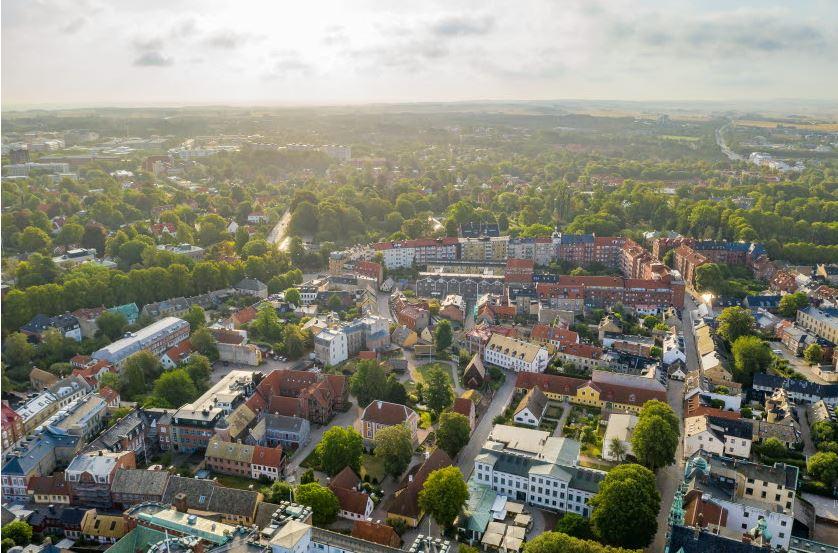 Lund - den tryggaste och miljöbästa kommunen 2021! Det visar tidskriften @FokusRedaktion kommunrankning.   https://t.co/amCfHFad9j https://t.co/Z78tk1lJi9