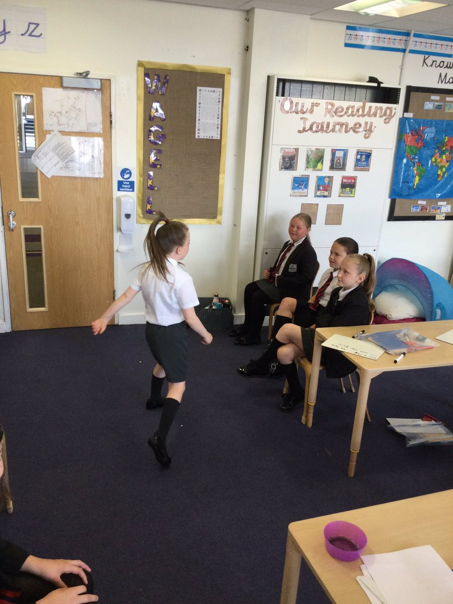 Using drama to help us understand the emotions of the characters in our story to help us in our writing #shownottell @nsprimary @RHeaney3 https://t.co/DdKDWCRijv