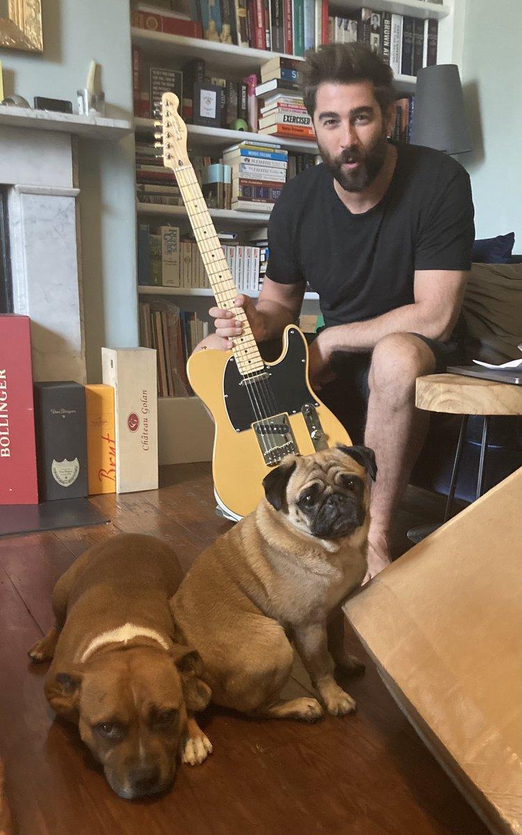 RT @camillabarker: Getting the band back together @Mattjohnsons 💜 https://t.co/qlLXZdgxHH