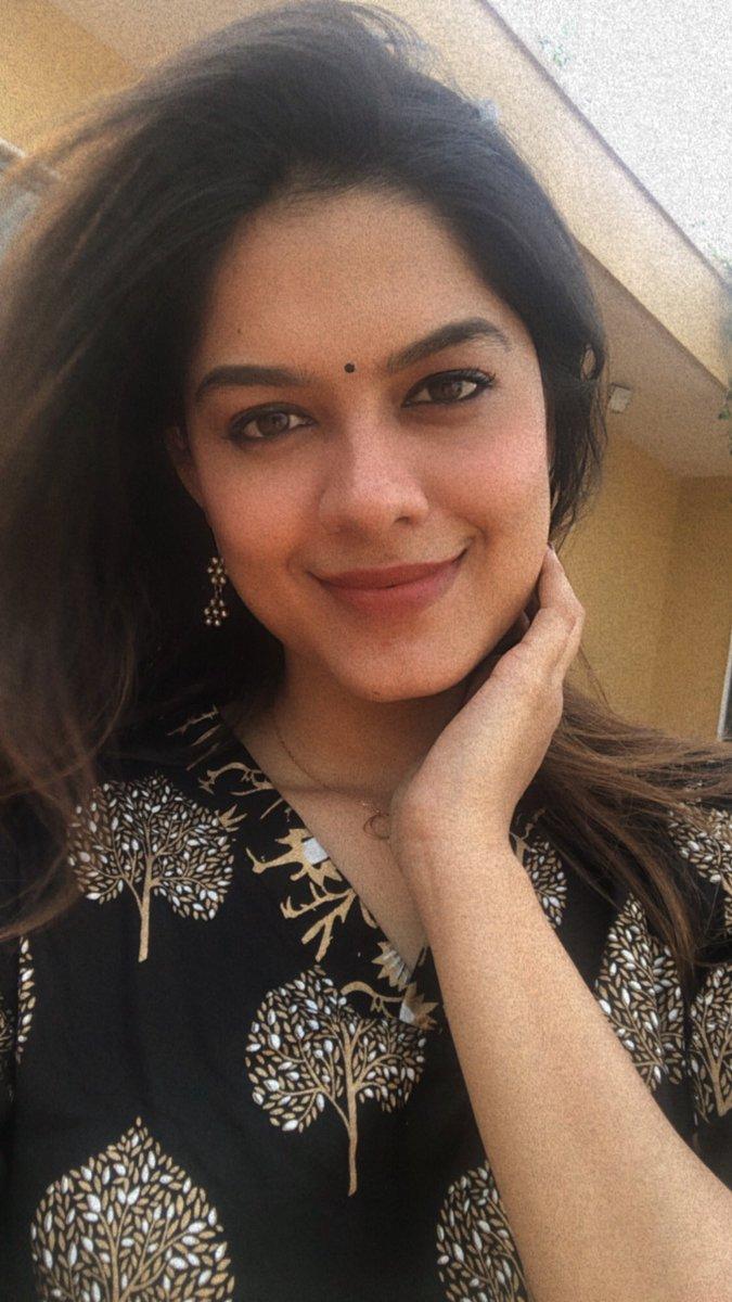 @StarAshaBhat's photo on #fridaymorning