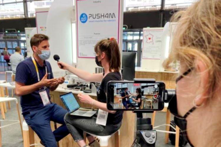 Comme de nombreux #industriels et #intégrateurs, les média 🎙️📻🎥📺 présents sur @VivaTech s'intéressent de près à la nouvelle #technologie issue du #biomimétisme développée par @Push4mSas pour le secteur #robotique 🤞👍🦾 https://t.co/e4vFuMHLck