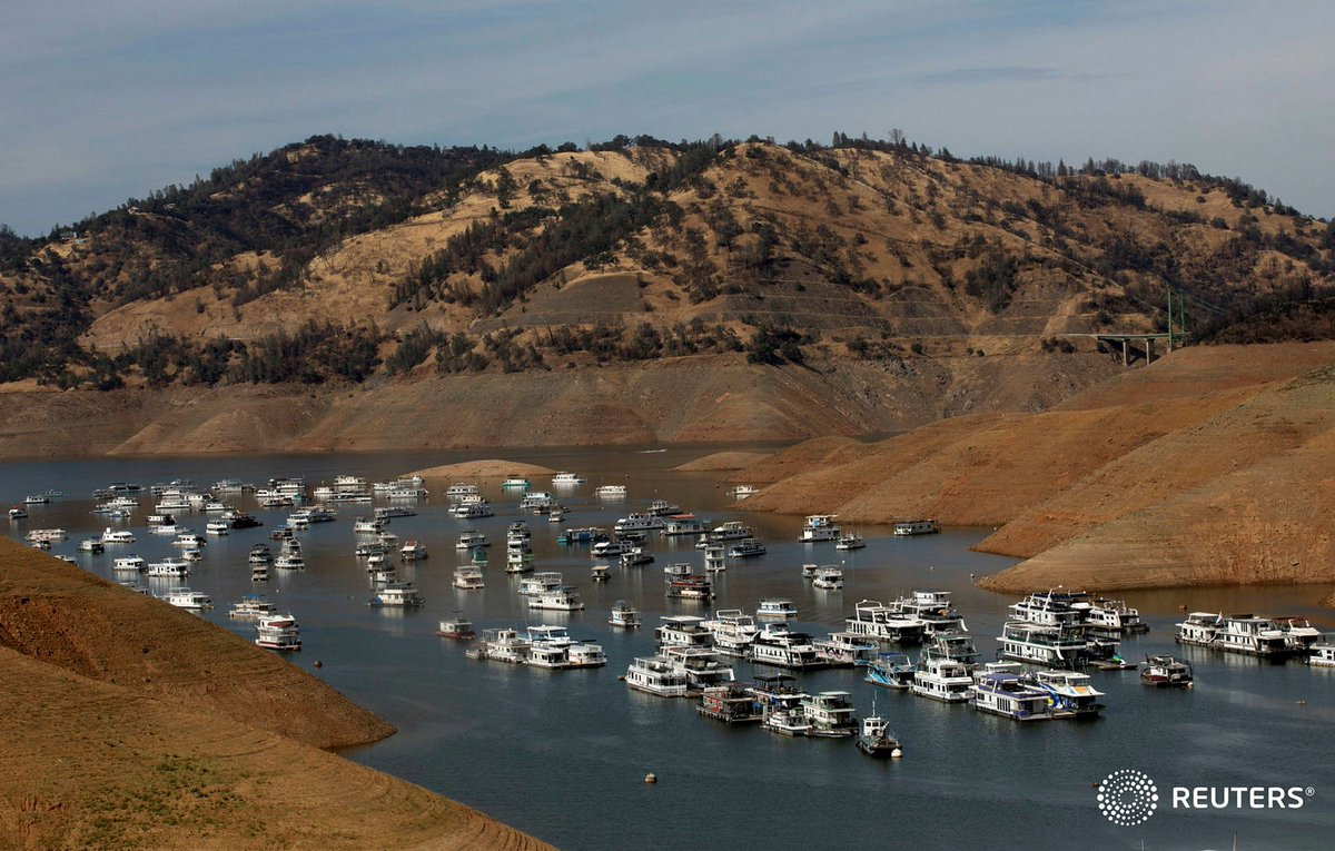 As Oroville recedes, focus switches from water table to houseboats—and the metaphor.