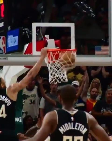 .@giannis_an34 😤 #ThatsGame #NBAPlayoffs #PhantomCam https://t.co/sdfnRHvLOc