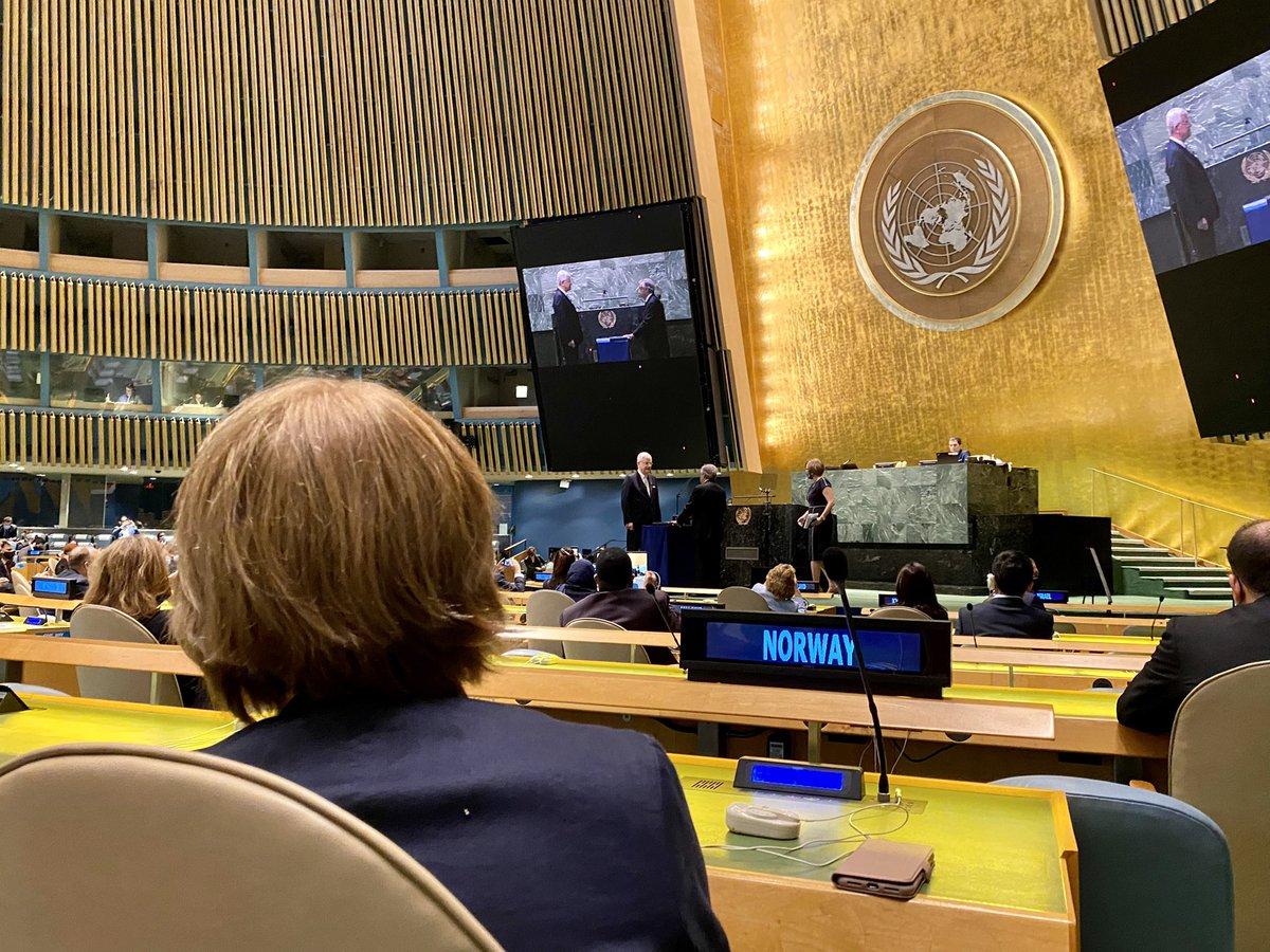 Antonio Guterres er utnevnt til en ny femårsperiode som FNs generalsekretær; 2022-2026.