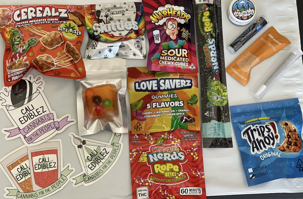 🎉✨OFFICIAL STONER PRIDE GIVEAWAY🌈💨🍃  💨🌈HOW TO ENTER🌈💨 Must be following: @CaliEdiblez  @alittlepebbled  @astraeagoods  🌈💨Like/RT 🌈💨Tag a friend (optional)  continued👇 https://t.co/X9f4g750FJ