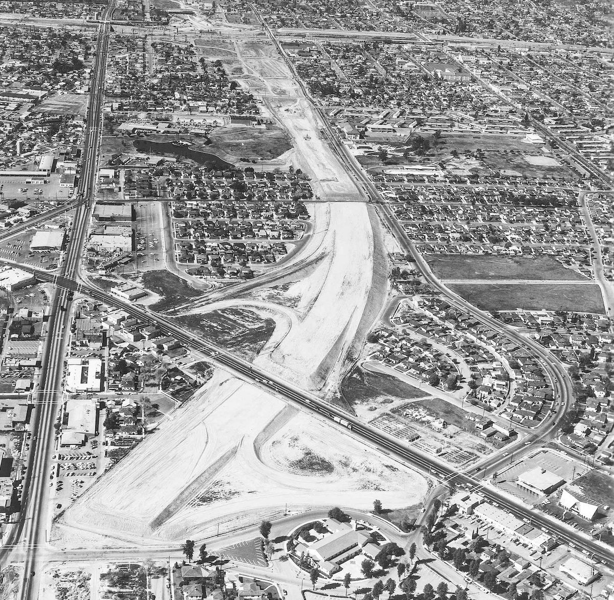 SPECIAL REPORT: Constructed inequality: The lasting repercussions of America's highway system.  https://t.co/zlYAAdVLXE  (1/10) #NBCNewsThreads https://t.co/U81dxaCnzf