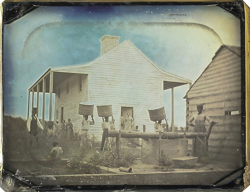 One of earliest photographs of slavery in America, perhaps 1850, now in Nelson-Atkins Museum, Kansas City: https://t.co/8WzRhucwGy
