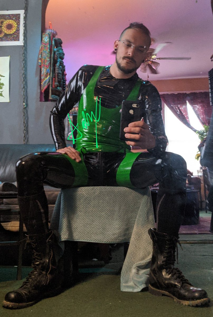 test Twitter Media - RT @salix_rubber: Happy place #rubber #latex #latexfetish #gay #catsuit https://t.co/7HBkgvAXmY