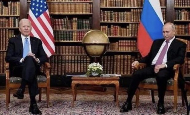 Someone looks like he is a little pissed that his puppet is no longer available to play with. https://t.co/O06QulYASm