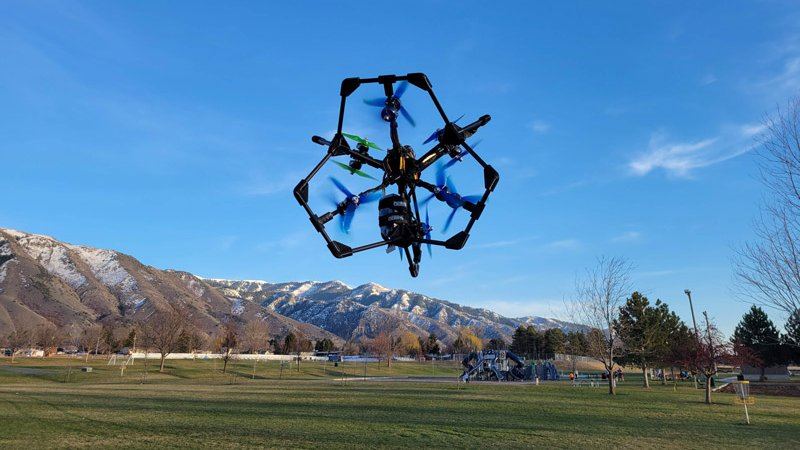 Congrats to electrical engineering undergrad Kevin Plaizier for a winning a $25,000 drone design competition! He took first place with his 12-motor Lynchpin Drone. 👏👏👏https://t.co/KuxcfJBHsd https://t.co/Kxn4y29Mxq
