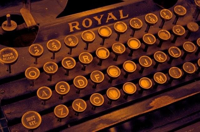 Photo By Wild0ne | Pixabay - via @Crowdfire    #vintage #typewriter #write #inspiration #blackmetal #blackbusiness #steampunk #journalism