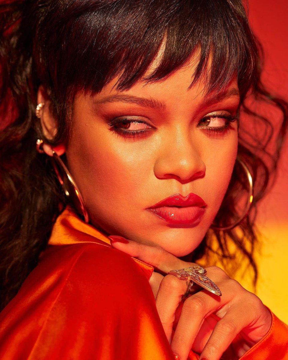 Nova foto de Rihanna para a Fenty Beauty https://t.co/d47w9XtfyS