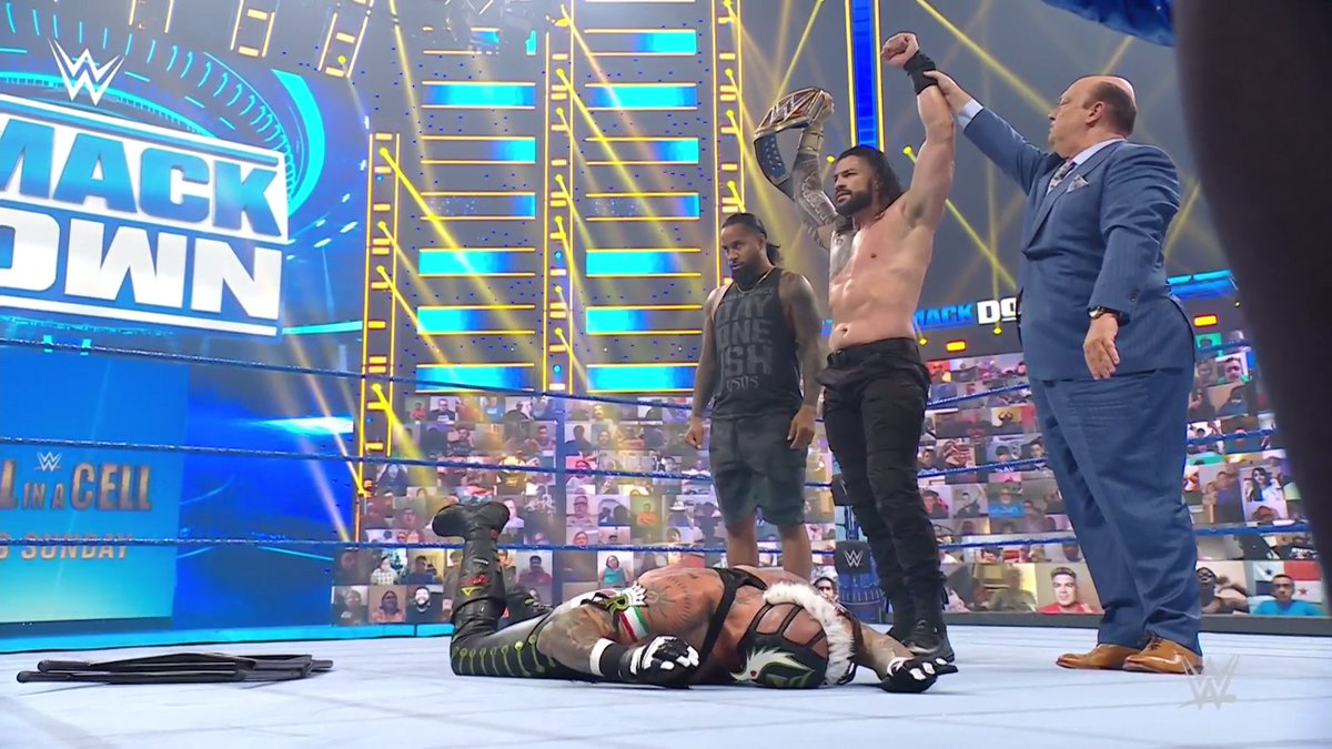Roman Reigns Chokes Out Rey Mysterio In Hell In A Cell Match