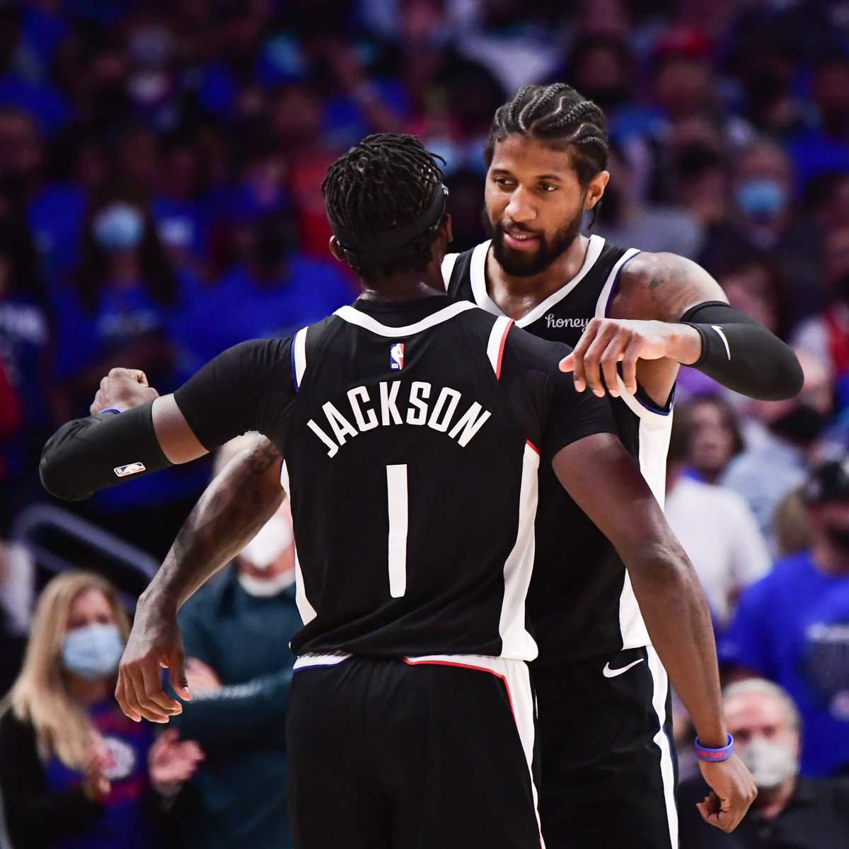 PG and Reggie BROUGHT IT tonight 🤝  George: 28 PTS, 9 REB, 7 AST, 54.3 FPTS  Jackson: 27 PTS, 10 AST, 3 STL, 53.6 FPTS https://t.co/FkpAYRlPqp