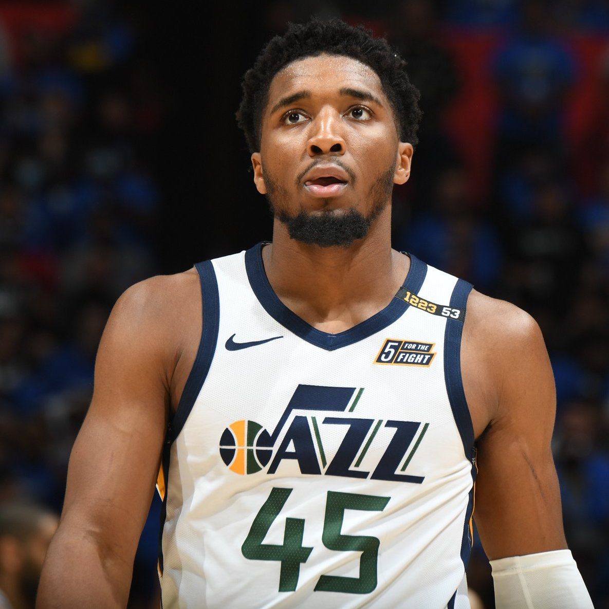 An incredible run of playoff performances from Donovan Mitchell comes to an end.  His final stat line of the season ⬇️  39 PTS  9 REB 9 AST 64.3 FPTS https://t.co/yUdPN9tTfm