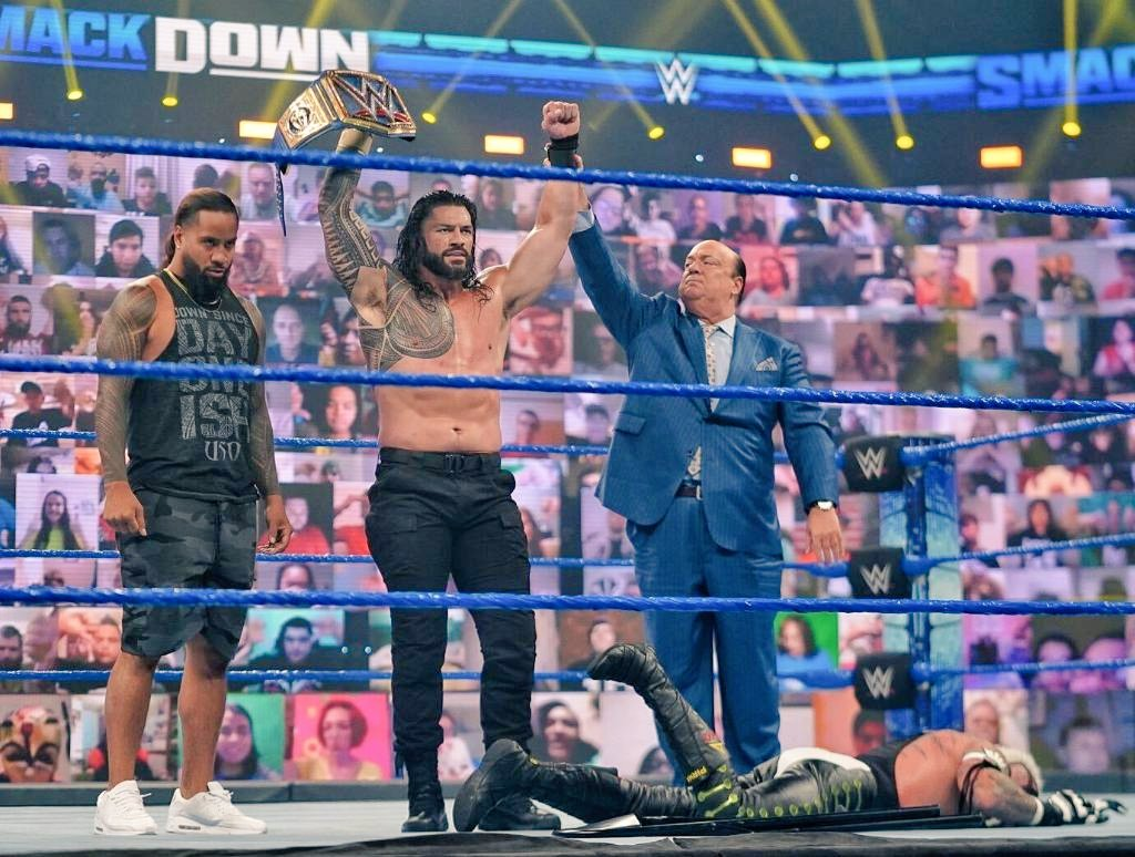 @WWE @WWERomanReigns @reymysterio @HeymanHustle Perfection 💓 Nothing but Perfection!!! @WWERomanReigns walked in and did just what he said he was going to do. With Little a Man's body on the floor. And his Cousin by his side @WWEUsos Jimmy. #SmackDown #AndStill #AcknowledgeMe 🇼🇸🌸 https://t.co/e9xLAyI9nF