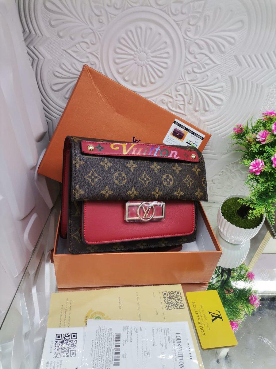 LV mini bags 💛 Comes in a box Price: 7k Please patronize us today 🙏 Nationwide delivery 🚚 @Mazigburugburu1 @NaijaWatch @Ugoeze_Imolite https://t.co/Zg5UKaQbDh