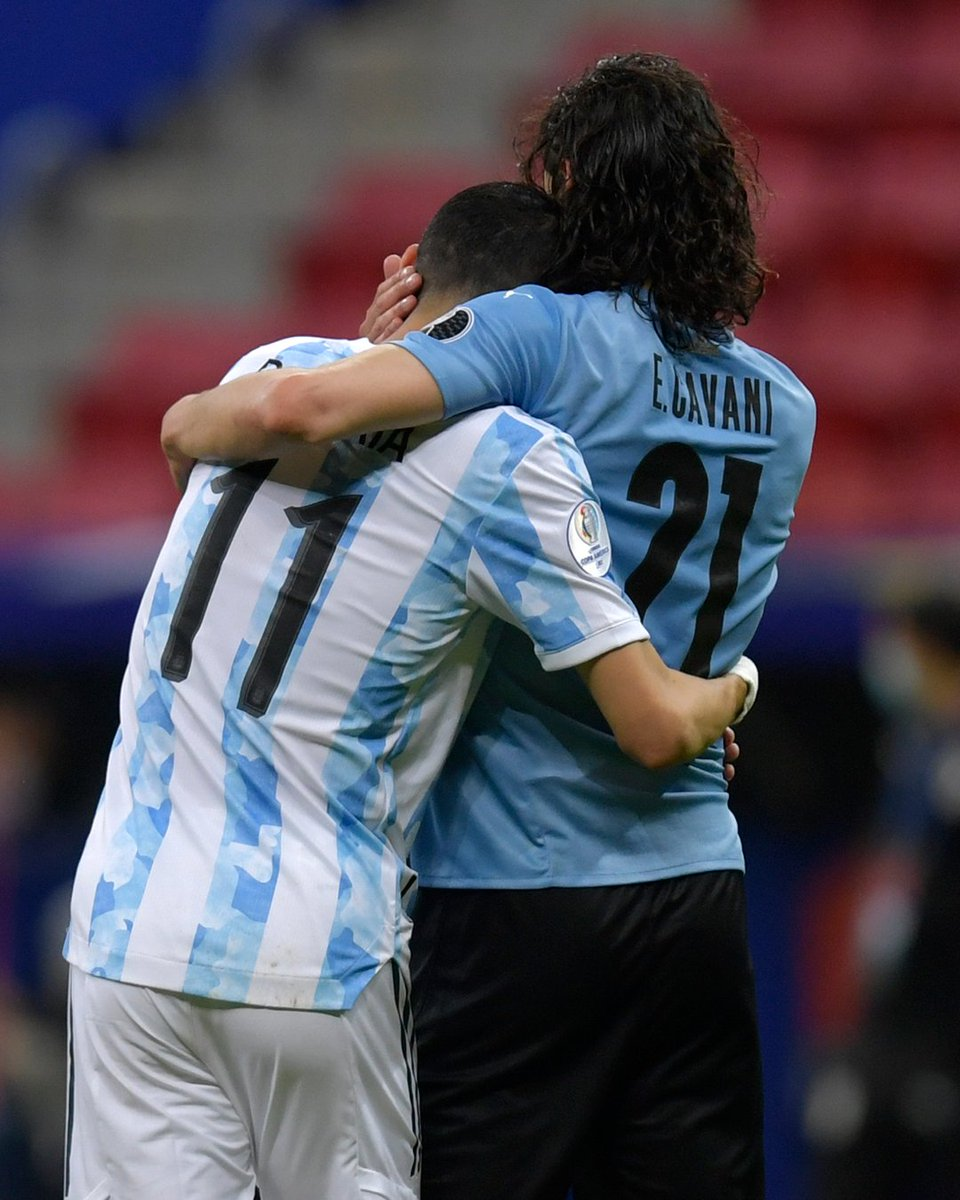RT @goal: It's all love between Angel Di Maria and Edinson Cavani  🇦🇷 ❤️ 🇺🇾 https://t.co/VxZTHAyhPO