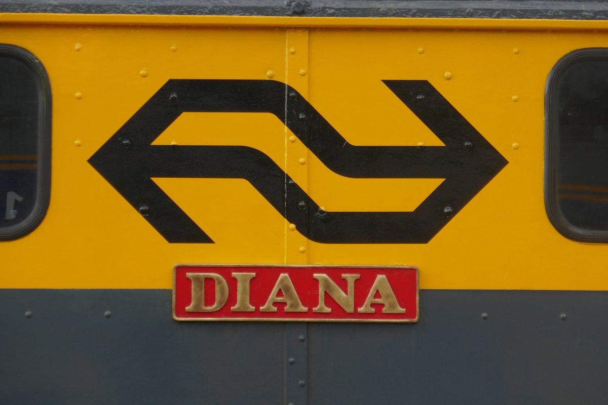 test Twitter Media - Mooi nieuws 👍 E-loc 1501 Diana is door de Werkgroep 1501 feestelijk overgedragen aan het @Spoorwegmuseum. De loc kwam in juli 2020 tgv 50 jarig jubileum als bruikleen naar het museum. Het is de enige tweedehands en eerste @NS_online E-loc in de destijds nieuwe kleurstelling. https://t.co/CE0gBuMm9N