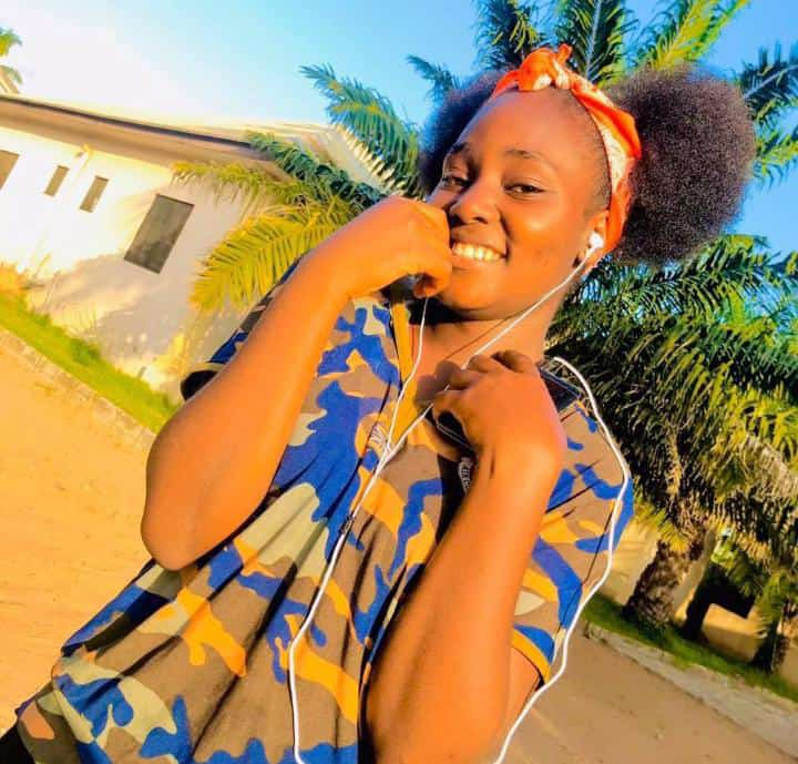 She's missing 😭🤦🏽♂️ Any information on her whereabouts please do well to contact us🙏🏼  Her name's TinaDoo She's from Benue State Makurdi @BenueTweets  @BenueFirst_  @Sonjoe_Kutuh @one_dosh  @oyimzy  @Myommikey @LOrseer  @BenueTvNG @benuestategovt Please let's help find her back 🙏🏾 https://t.co/dKw2GMi6qa