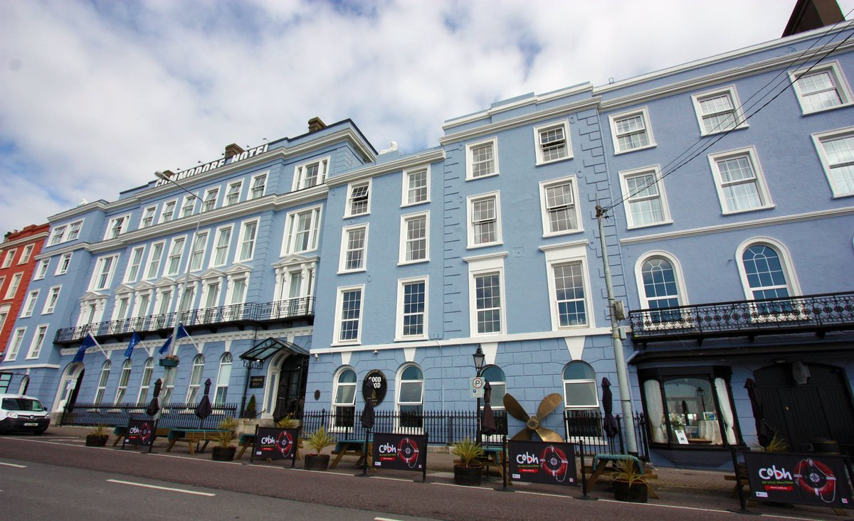 Lovely day so far here in #Cobh! Don't forget to give us a call at 0214811277 to book your table for outdoor dining and to avoid disappointment! #failteireland https://t.co/lBel9IJp5i