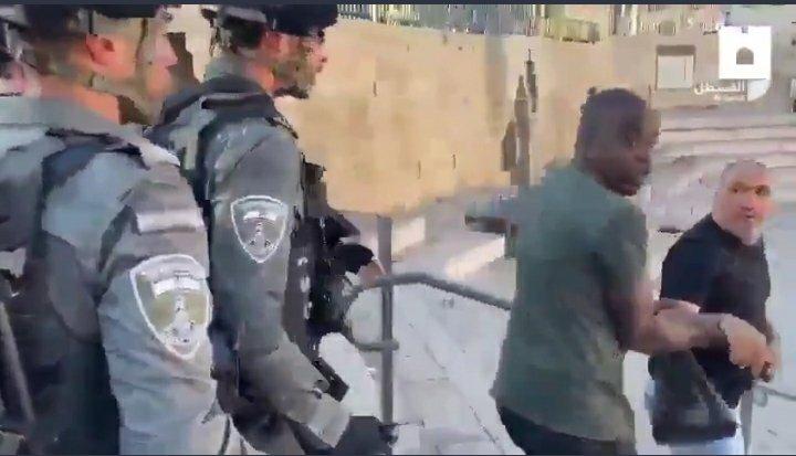 @IDF Today, Israel army attack muslim at Jerusalem for gathering to show love on prophet Muhammad. #FREEPALENSTINE  #VisitIsrael  #Gaza https://t.co/SibSn9oPVa