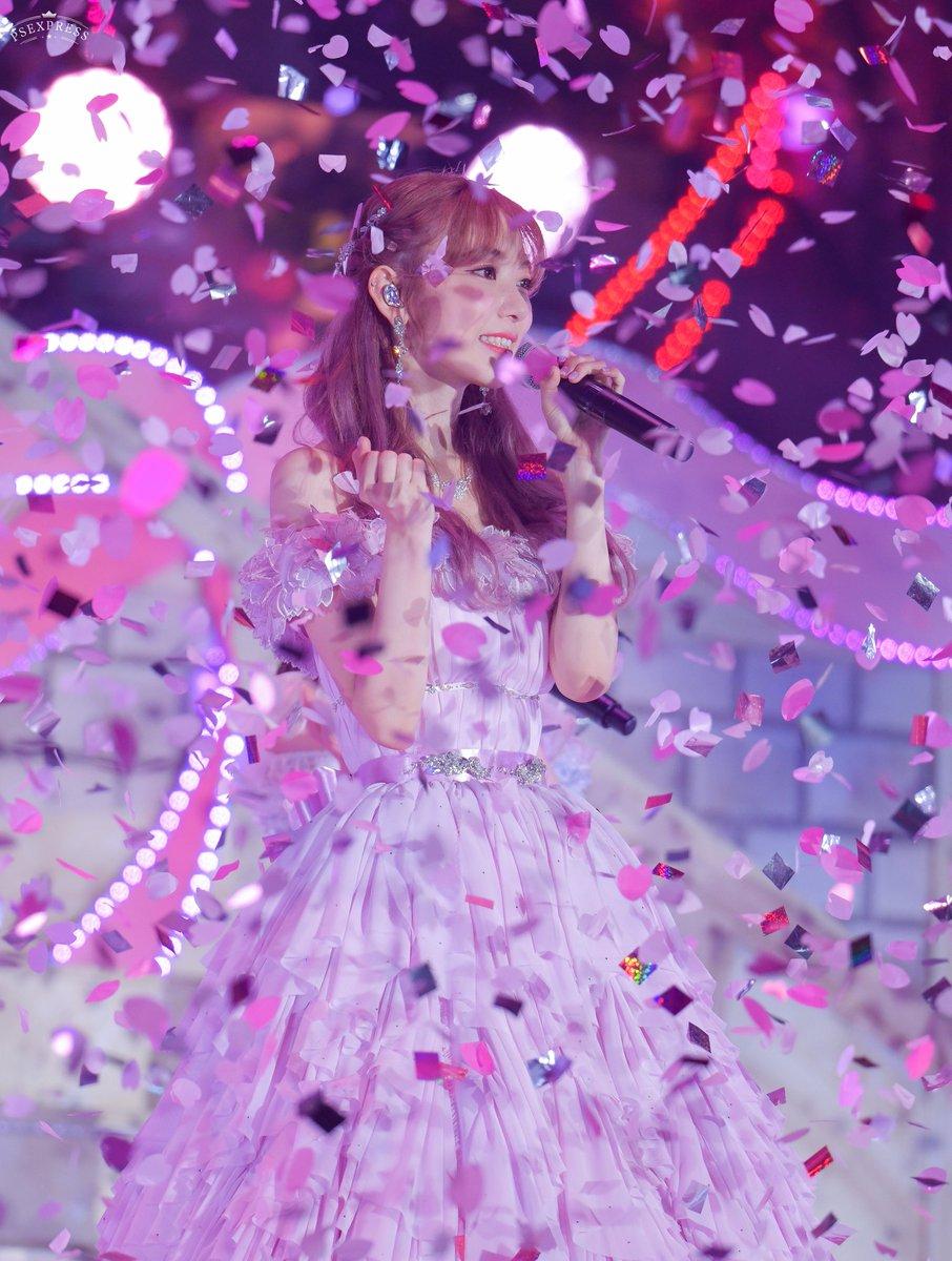 RT @martinray03: 20210619 宮脇咲良さん @39saku_chan #宮脇咲良卒業コンサート  #宮脇咲良 #미야와키사쿠라 #HKT48 #AKB48...