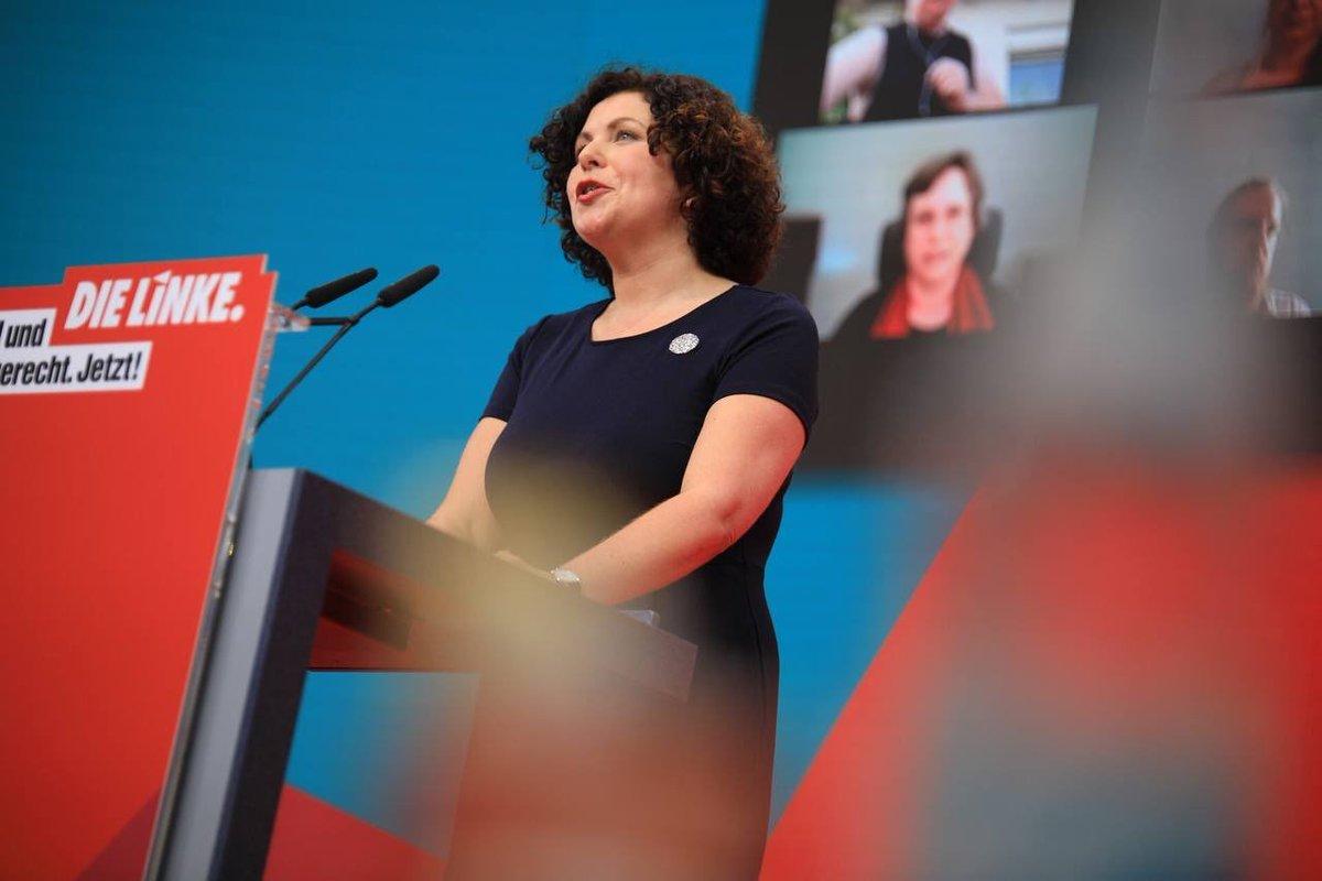 """""""Wie glaubwürdig ist das denn, wenn SPD und Grüne sich einen Mindestlohn zwar ins Wahlprogramm schreiben, aber bereit sind mit CDU und FDP zu koalieren? Nein, ein höherer Mindestlohn geht nur mit der LINKEN!"""" Starke Rede von @Amira_M_Ali! ✊ #linkebpt https://t.co/YBMNkiH1C2"""