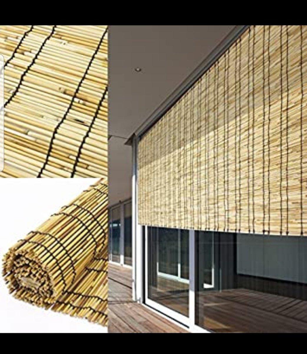 屋根がありそうな造りだけど?雨の日にはびしょ濡れになるヨドバシ梅田の連絡通路!