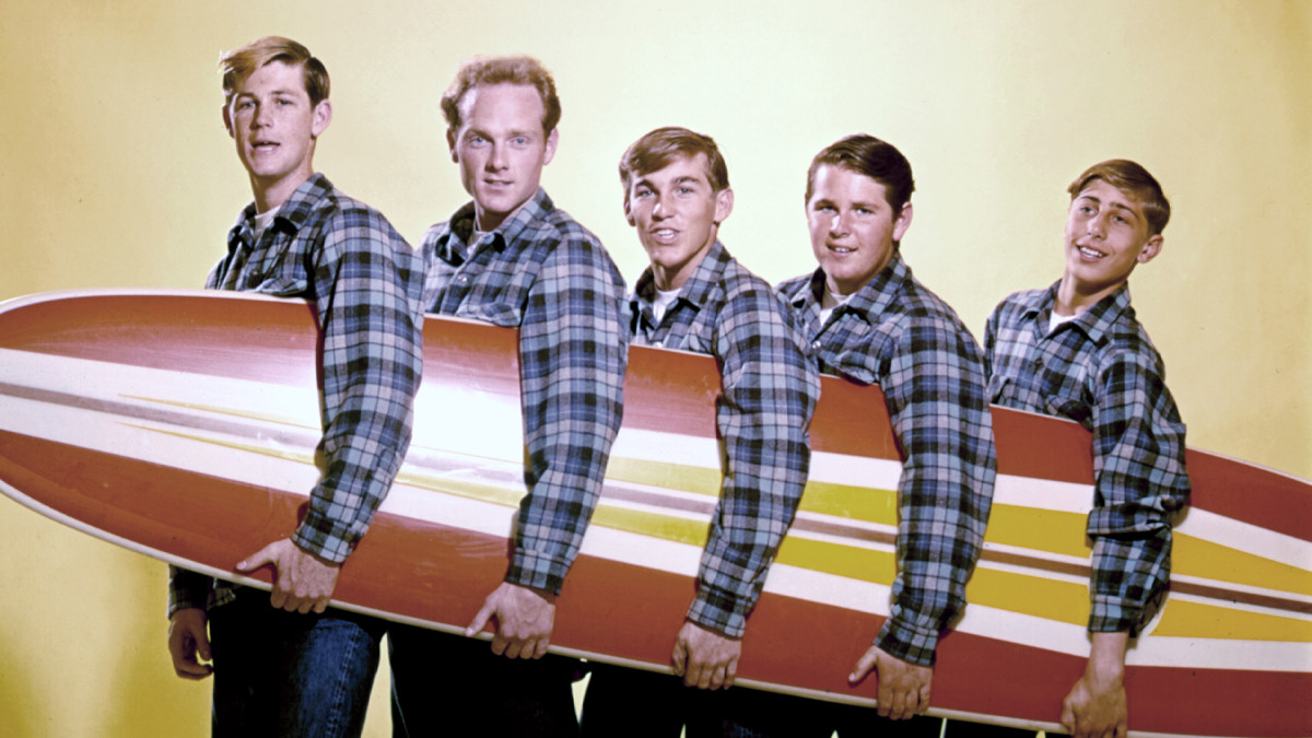 The Beach Boys are featured on today's edition of Celebrity Spotlight! Tune in today at 3:30 PM to hear their music and stories with host Larry Jackson!  Listen live: https://t.co/Pg7YorjtO8  #BeachBoys #Toronto #Radio #Celebrity #Stories #Entertainment #Music #MusicHistory https://t.co/VPDCxcfZt1