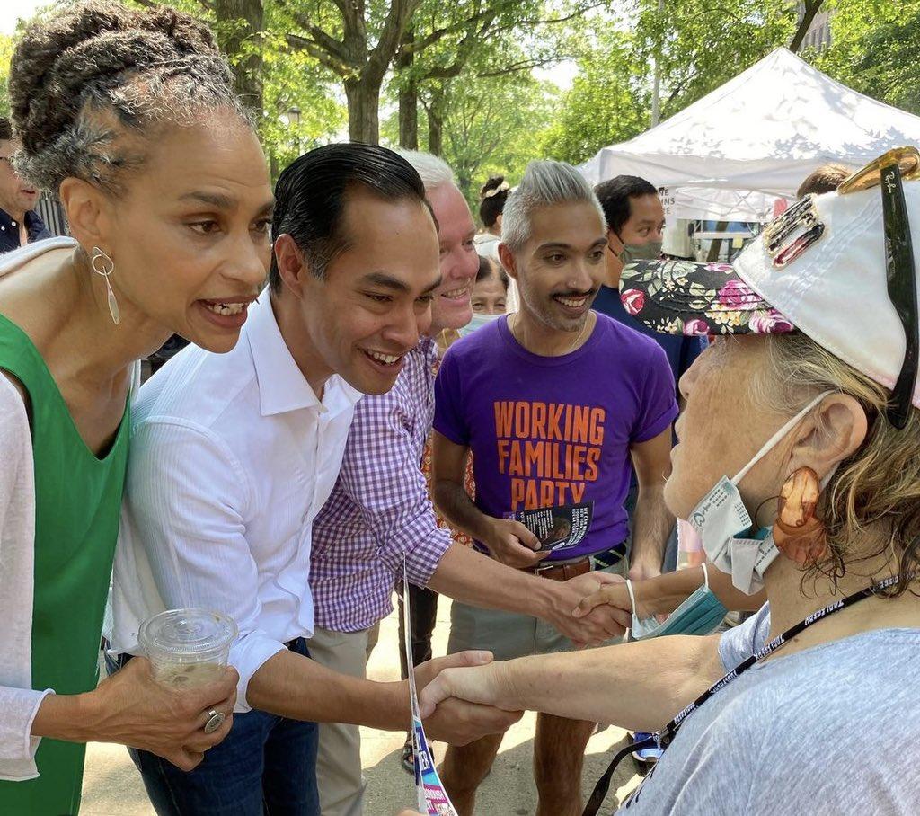 """In Sunnyside, Queens @mayawiley and @JulianCastro are feeling the """"mayamentum"""" 3 days before Election Day. https://t.co/uyEzVGnxDV"""