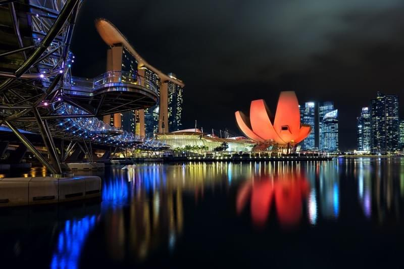 When in Singapore you must visit the iconic lotus-shaped, ArtScience Museum at Marina Bay. Want to find out more? #travel #adventure #mistermisteradventureguidez #follow4follow #vacation #follow #fun #wanderlust #explore #happy  #Singapore #museums #MarinaBaySands #art #science https://t.co/G6T38J4cqI