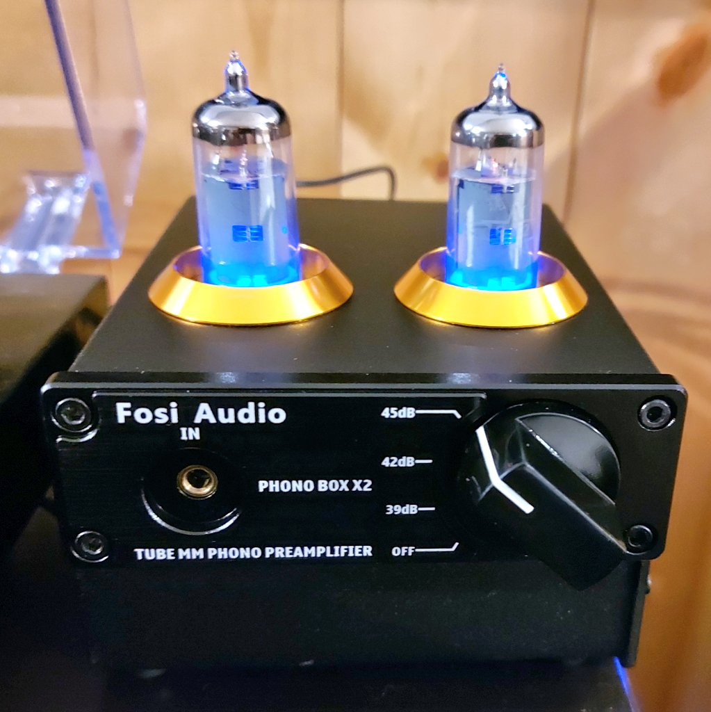 On a whim, I bought this cheap Chinese phono preamp from @fosiaudio to use in my home theatre. So far, not bad. Stay tuned for a full review in July. #vinyl #gear https://t.co/0eC0JCiI4i