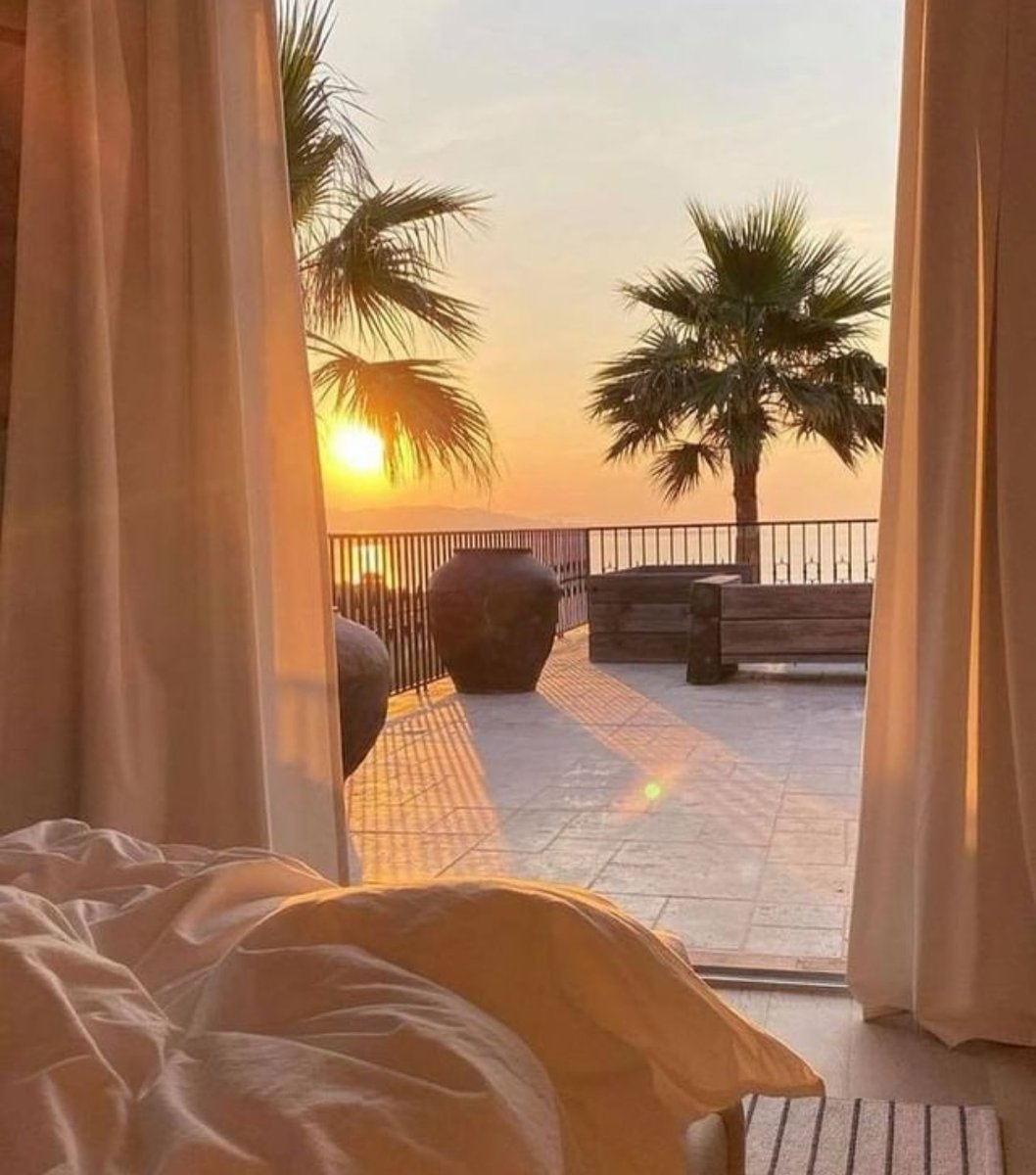 Image for The Dreamiest Setting 😍☀️✈   Tag who you would love to be here with 👇🏽   #ikrushbabe #styling #summer21 https://t.co/T1r0lCpc3E