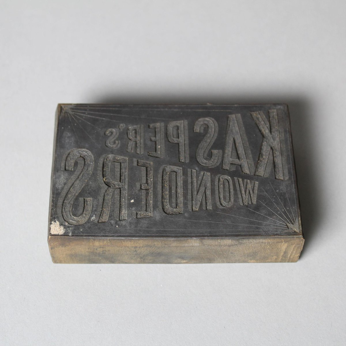 From the V&A collection: S.1213-1982 Printing block  Blythe House  In store https://t.co/N0JThyNpRU #art #design #museums https://t.co/A4uLvBMwkF