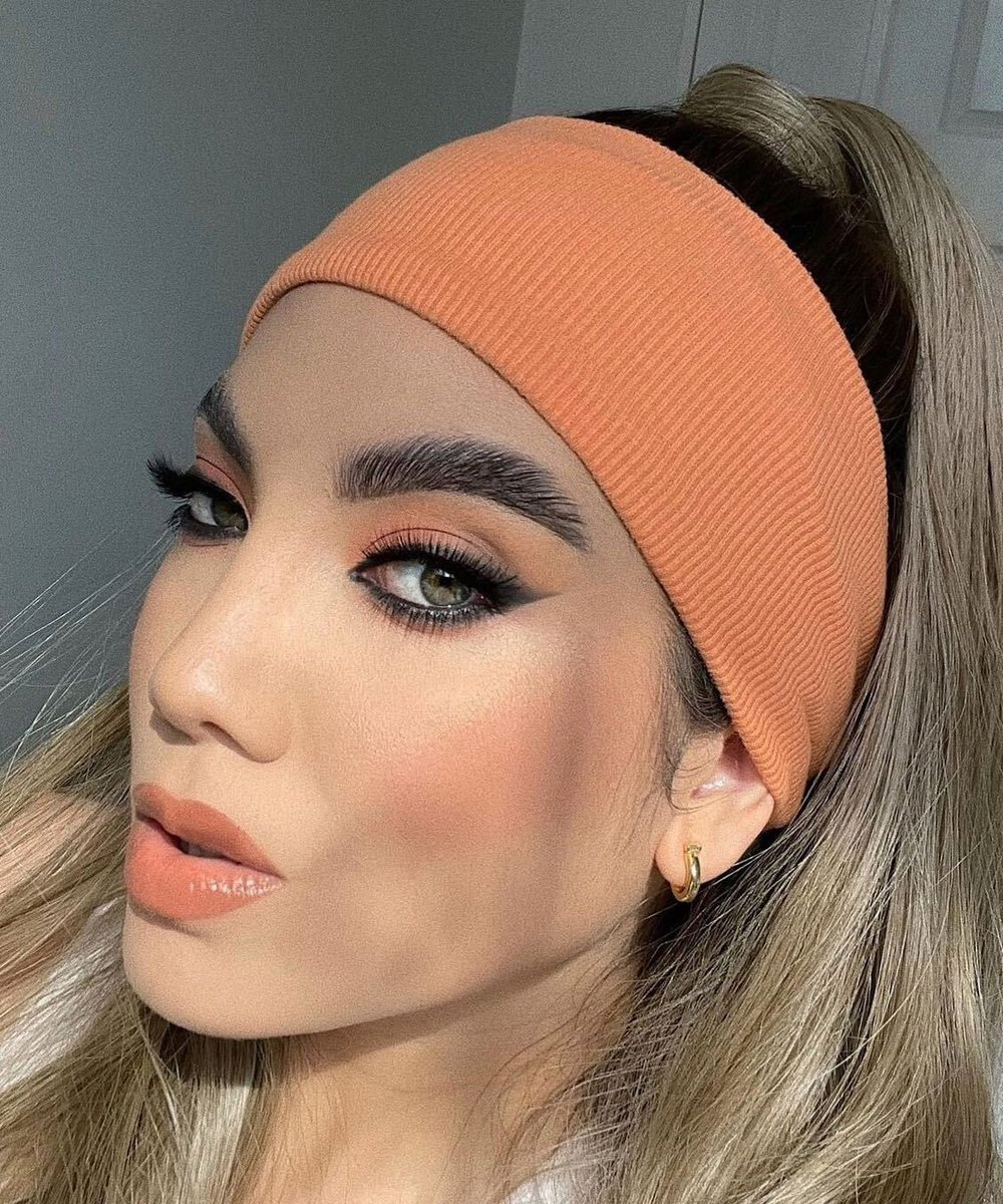 prepping skin to serve summer looks🍑🔥who's excited for summer?☀️✋ - 📸:mafemartino https://t.co/08XE0oORn9