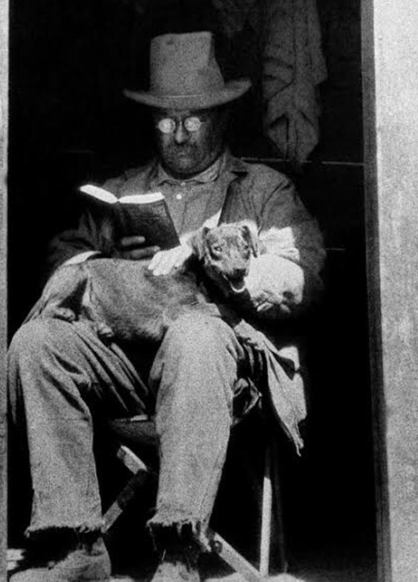 President Theodore Roosevelt reading on vacation with his beloved dog Skip: https://t.co/IQ0JT9CGH6
