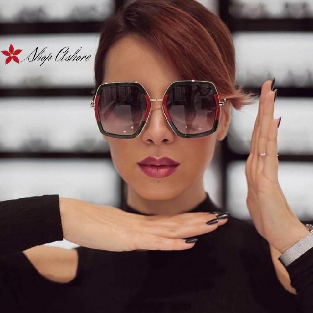 #onlineshopping SALE 😍 Luxury Square Oversized Crystal Women's Sunglasses BUY IT NOW FOR £10.85 https://t.co/TB4HhrmSSH ❤️❤️❤️ https://t.co/6ewEqTMRw6