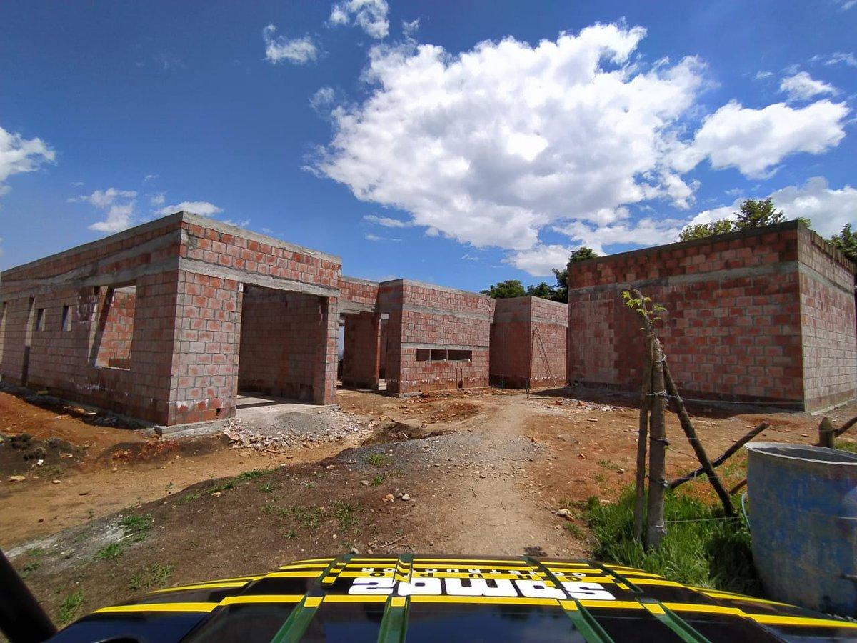 La arquitectura debe hablar de su tiempo y su lugar y a la vez anhelar la eternidad.  - Frank Ghery  LAGOS D Maracaibo Condominio Lotes desde 3.000 M2 Contacto WhatsApp  https://t.co/x4mqcxnBXr Arquitecto @ArqPabloEnriqu1 Gerencia @ahorasi_sa #Junio #architecture #Construction https://t.co/ntARXwKbz3