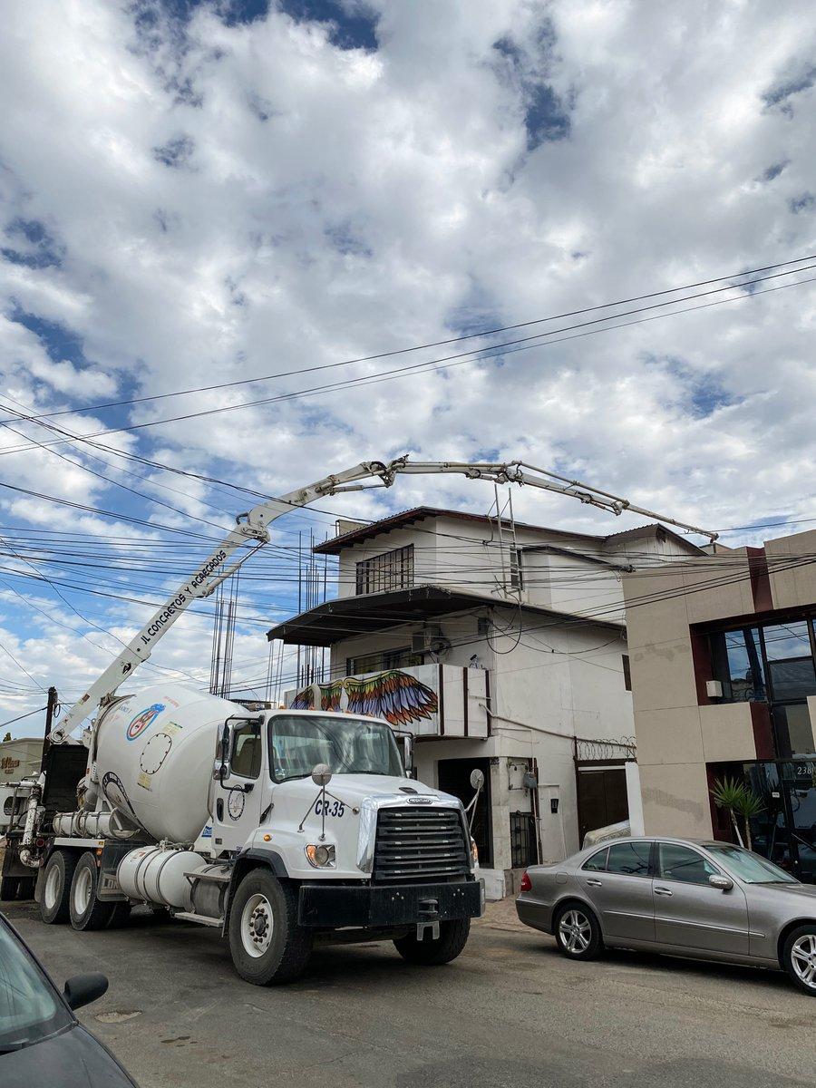 #Tube.   #Tijuana #UrbanPhotography #StreetPhotography #Building #Cement #Truck #Growing #Construction. https://t.co/Nmf2ImB7aY