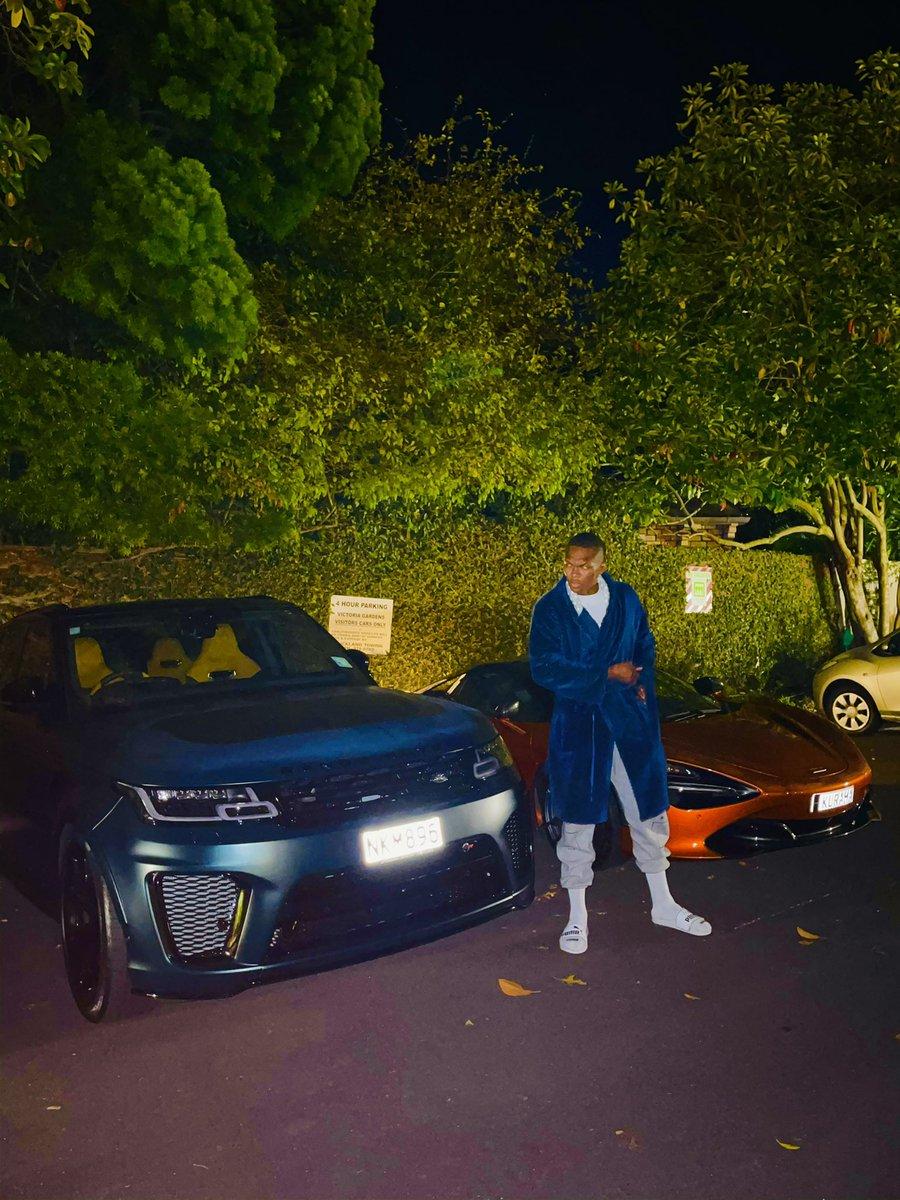"""⭐️⭐️⭐️⭐️⭐️ - Uber """"I done waka many kilometers"""" 🐾 #hobolife #blanketman #paidinfull https://t.co/WGVLEkb4el"""