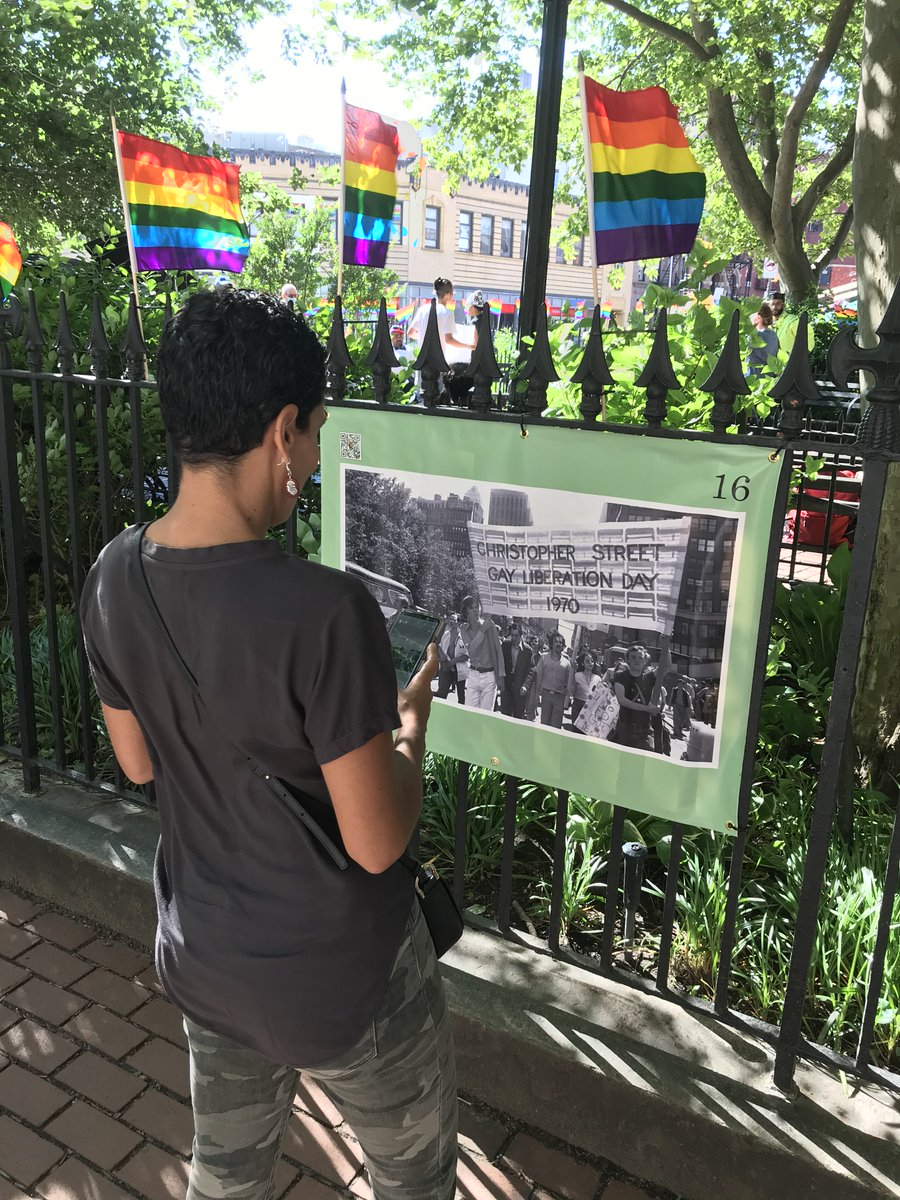 Have you noticed our fence exhibit around Christopher Park that visually tells the story of the #StonewallUprising?   https://t.co/AiWeQu0dHz   #pridemonthactivities #pridemonth #StonewallNationalMonument #NYChistory #lgbtqhistory #findyourpark https://t.co/Sz7S2dBrpo