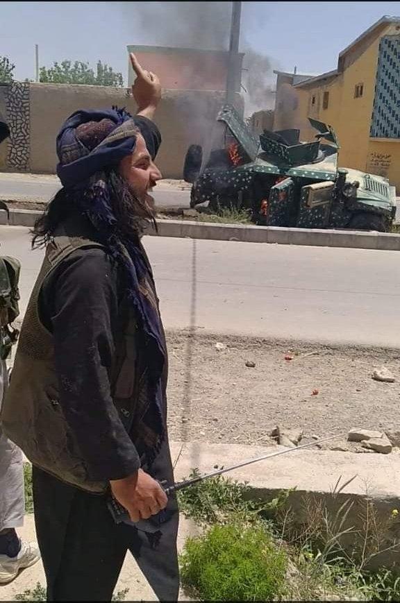 Wall Strret Journal о летнем наступлении боевиков Талибана в Афганистане и нарастающем хаосе на фоне бегства американских войск из страны.
