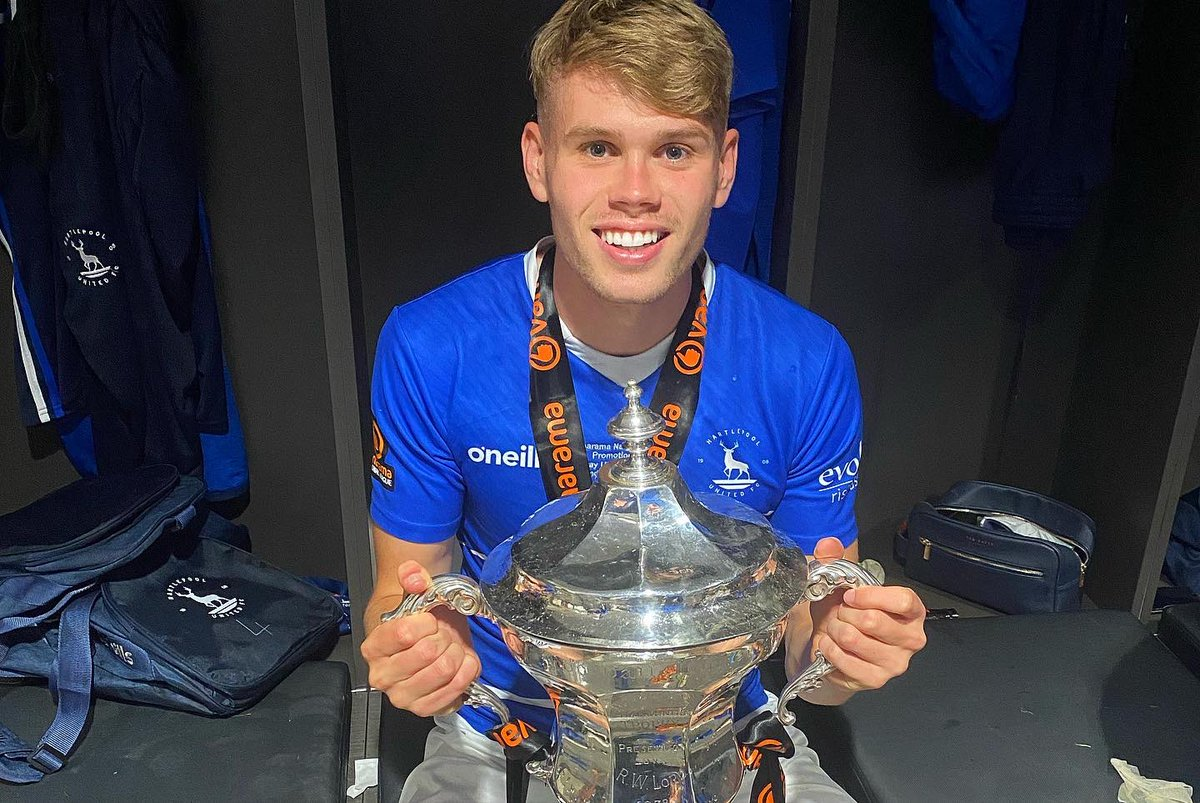 Congratulations to on-loan defender @lewiscass27 and @Official_HUFC, who have been promoted to the Football League after beating Torquay United on penalties in the play-off final this afternoon!