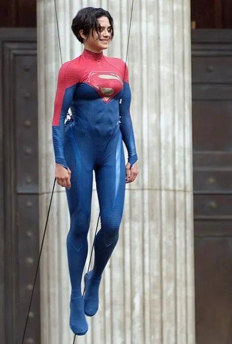 Supergirl; The Flash