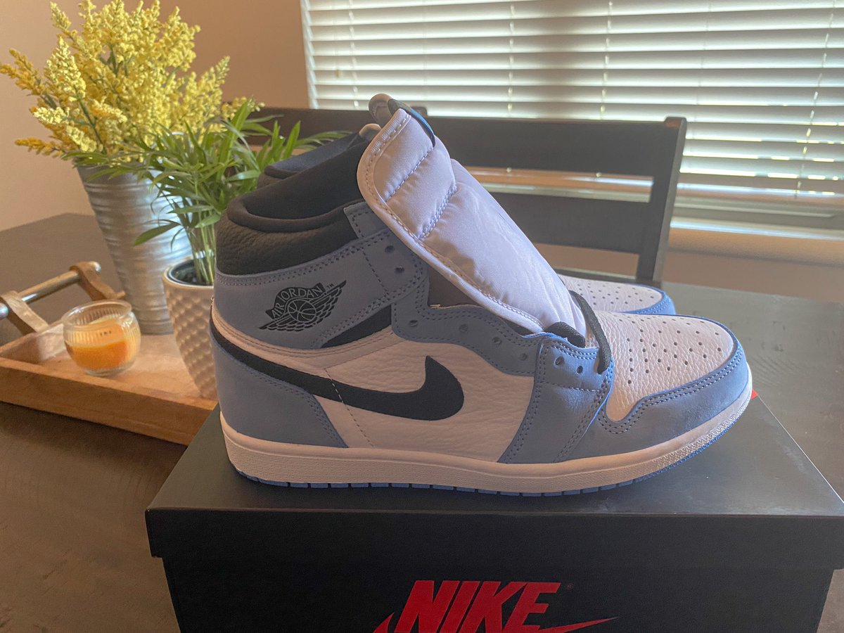 Wouldn't be #FathersDay without a tweet of new @Jumpman23 1s I got! Annual #FathersDay tweet!   In all seriousness, #HappyFathersDay to all dad's out there. Remember, though. We are nothing without our wives/significant other.   For that, thanks @AMYMBO12! Love you & the boys‼️ https://t.co/OlcJ3llaio
