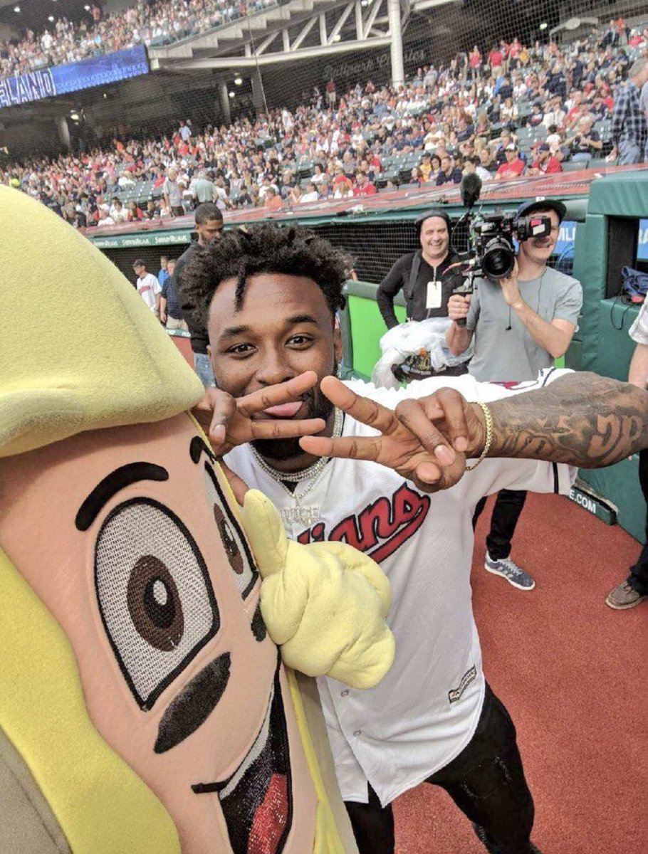 On Sundays we beat Pittsburgh  @Indians 2   Pirates 1    #OurCle https://t.co/AEQM0MuGHH
